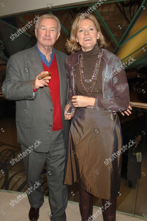 Stock Photo of TERENCE CONRAN AND WIFE VICTORIA