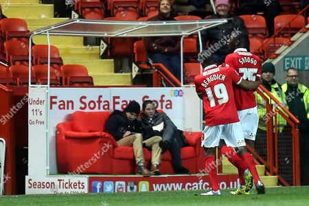 Zakarya Bergdich of Charlton urges Yaya Sanogo to leave the field after being sent off late in the second half during Charlton Athletic vs MK Dons, Sky Bet Championship Football at The Valley, London