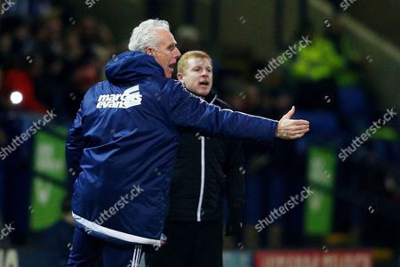 Ipswich Town Manager, Mick McCarthy gestures ahead of Bolton Wanderers manager Neil Lennon