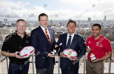 Pictured (L-R) Mud House Wines Ambassador Sean Fitzpatrick, British & Irish Lions Chief Operating Officer Charlie McEwen, Accolade Wines CEO Paul Schaafsma and Mud House Wines Ambassador Jason Robinson
