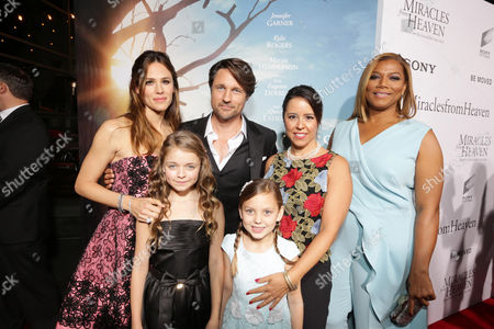 Kylie Rogers, Jennifer Garner, Martin Henderson, Courtney Fansler, Patricia Riggen and Queen Latifah