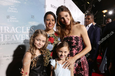 Kylie Rogers, Patricia Riggen, Courtney Fansler and Jennifer Garner