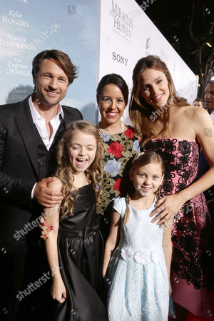 Martin Henderson, Kylie Rogers, Patricia Riggen, Courtney Fansler and Jennifer Garner