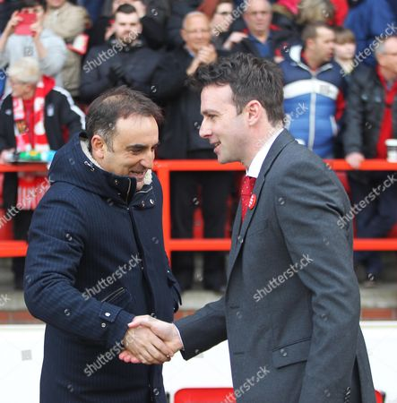 Sheffield Wednesday Manager Carlos Carvalhal (L) and Nottingham Forest Manager Dougie Freedman before the match