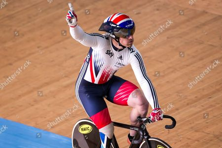 Great Britain's Jody Cundy celebrates winning Gold (alongside Jon-Allan Butterworth and Louis Rolfe) in the Team Sprint Finals.