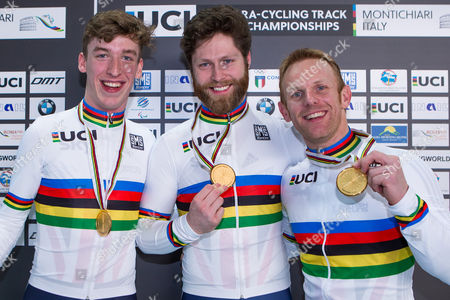 (R-L) Great Britain's Jody Cundy, Jon-Allan Butterworth and Louis Rolfe celebrate winning Gold in the Team Sprint Final.