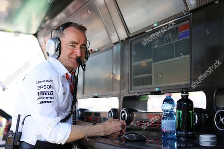 Paddy Lowe (GBR, Mercedes AMG Petronas Formula One Team)