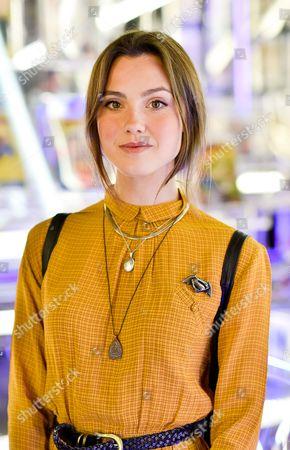 Gallery poppy drayton Elizabeth