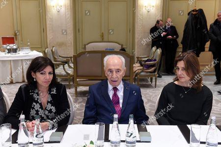 Paris Mayor Anne Hidalgo, former President of Israel Shimon Peres and Israelian Ambassador of Israel in France Aliza Bin Noun