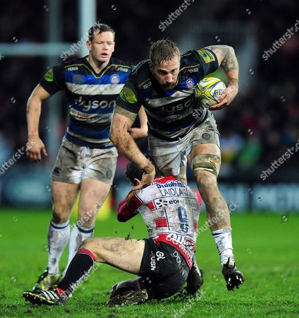 Dominic Day of Bath Rugby takes on the Gloucester defence