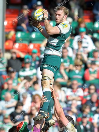 Leicester's Tom Croft secures clean line out ball