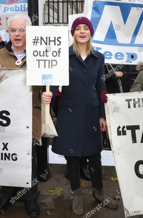 Editorial photo of Ann-Marie Duff joins NHS demonstration, Downing Street, London, Britain - 30 Nov 2015