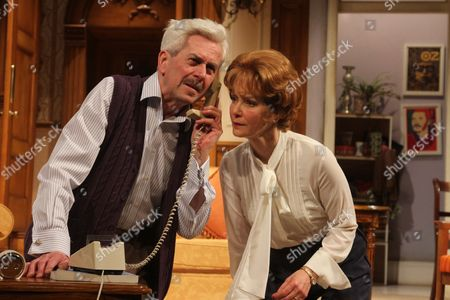 Nicholas Le Prevost as Frank Foster and Jenny Seagrove as Fiona Foster
