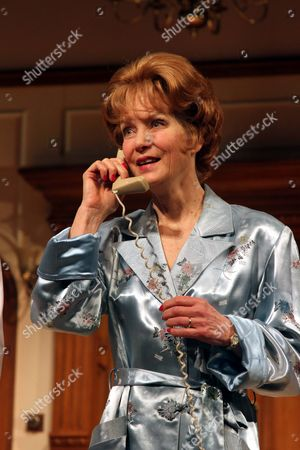 Jenny Seagrove as Fiona Foster