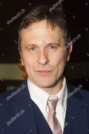 Jason Merrells (Bob Phillips)