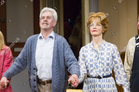 Nicholas Le Prevost (Frank Foster) and Jenny Seagrove (Fiona Foster) during the curtain call