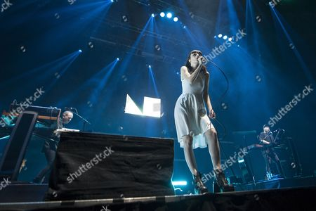 CHVRCHES - Iain Cook, Martin Doherty, Lauren Mayberry