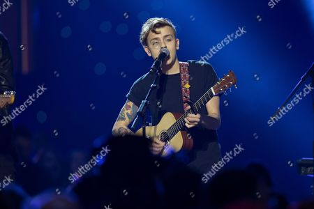 Scott Helman, performance