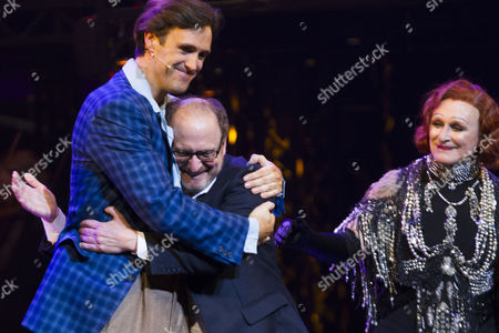 Michael Xavier (Joe Gillis), Lonny Price (Director) and Glenn Close (Norma Desmond) during the curtain call