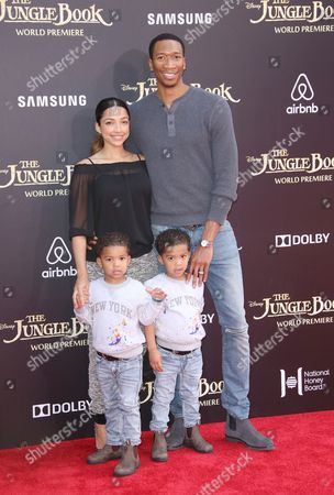 Wes Johnson and Melissa Johnson with their children