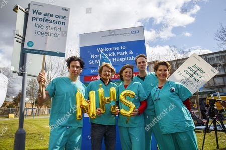 Cast of 'Green Wing' Stephen Mangan, Julian Rhind-Tutt, Pippa Haywood, Oliver Chris and Tamsin Greig join junior doctors on the picket line at Northwick Park Hospital