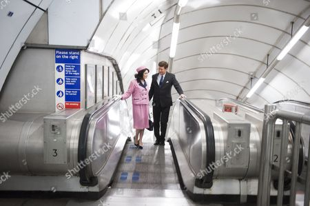 John F Kennedy and Jacqueline Kennedy lookalikes on the tube
