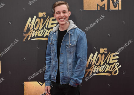 Editorial picture of MTV Movie Awards, Arrivals, Los Angeles, America - 09 Apr 2016