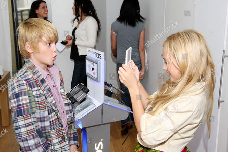 Editorial photo of Nintendo Hosts the DSi Studio During New York Fashion Week - Day Three, New York, America - 16 Sep 2009