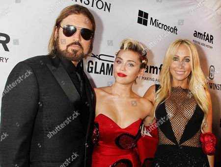 Stock Image of Billy Ray Cyrus, Miley Cyrus and Leticia Cyrus