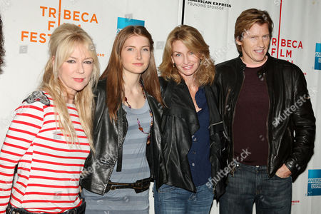 Denis Leary with family (wife Ann Lembeck and daughter Devin Leary with guest)