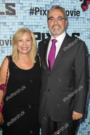 Michael Barnathan with wife