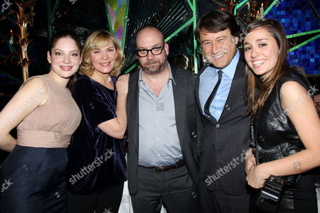 Anna Hopkins, Kim Cattrall, Paul Giamatti, Robert Lantos (Producer) with daughter