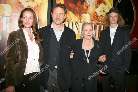 Lauren Bacall (r) with her son Sam Robards (c) and his wife (l)