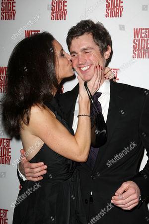Matt Cavenaugh with fiance Jenny Powers