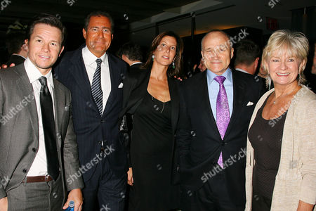 Mark Wahlberg, Richard Plepler, Lisa Perry, Commissioner Ray Kelly and Veronica Kelly