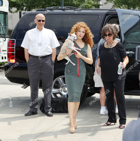 Tom Viola, Bernadette Peters with chihuahua Chachie (Barc Brookl
