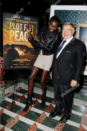 Stock Picture of Ajak Deng and Jean-Yves Ollivier