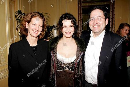 Stock Photo of Lynn Hendee, Juliette Binoche and Michael Barker