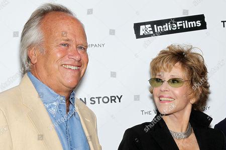Dick Ebersol and Jane Fonda