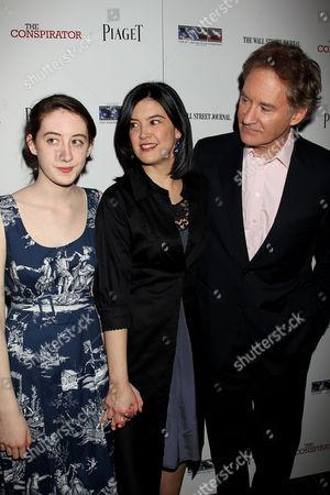 Phoebe Cates, Kevin Kline with daughter Greta Simone Kline