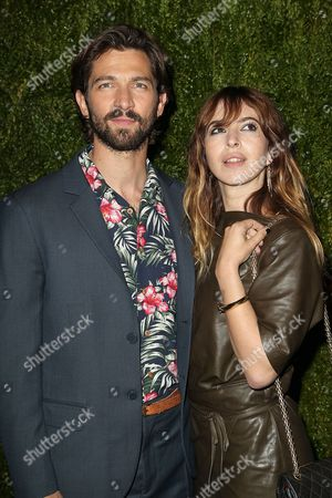 Michiel Huisman and Tara Elders