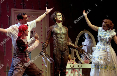 Gavin Eden as 'Kevin Boggs', Scott Ambler as 'Bill Boggs', Sam Archer as 'Edward Scissorhands' and Etta Murfitt as 'Peg Bogg'
