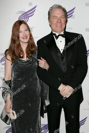 Annette O' Toole and Michael McKean