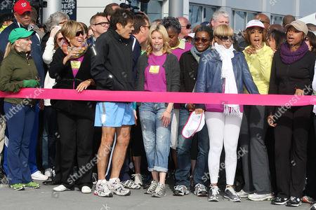 Suze Orman, Dr. Mehmet Oz, Elizabeth Banks, Tracy Chapman, Mary J. Blige, Gayle King and Jennifer Hudson