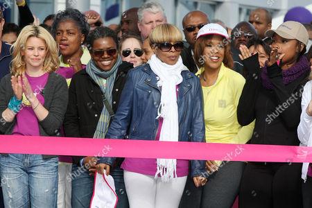 Stock Photo of Elizabeth Banks, Tracy Chapman, Mary J. Blige, Gayle King and Jennifer Hudson