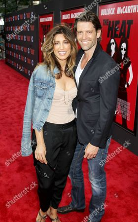 Jennifer Esposito and Louis Dowler