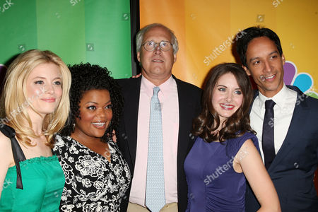 Cast of 'Community' - Gillian Jacobs, Yvette Nicole Brown, Chevy Chase,  Alison Brie and Danny Pudi