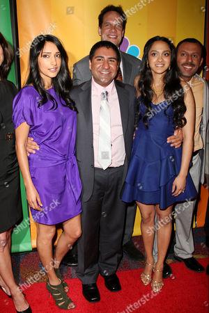 Cast of 'Outsourced' - Rebecca Hazlewood, Parvesh Cheena, Diedrich Bader, Anisha Nagarajan and Rizwan Manji