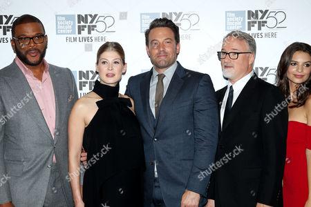 Tyler Perry, Rosamund Pike, Ben ASffleck, David Fincher (Director) and Emily Ratajkowski