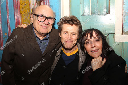 Danny DeVito, Willem Dafoe and Bonnie Timmermann